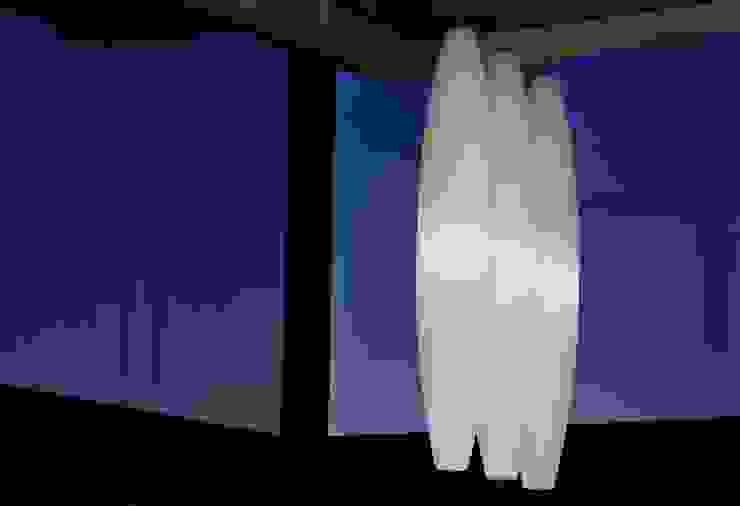House Tat Modern living room by Nico Van Der Meulen Architects Modern