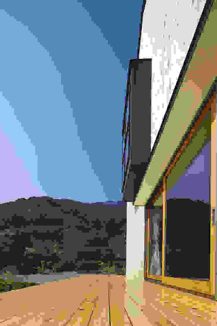 南濃の家 オリジナルデザインの テラス の 五藤久佳デザインオフィス有限会社 オリジナル