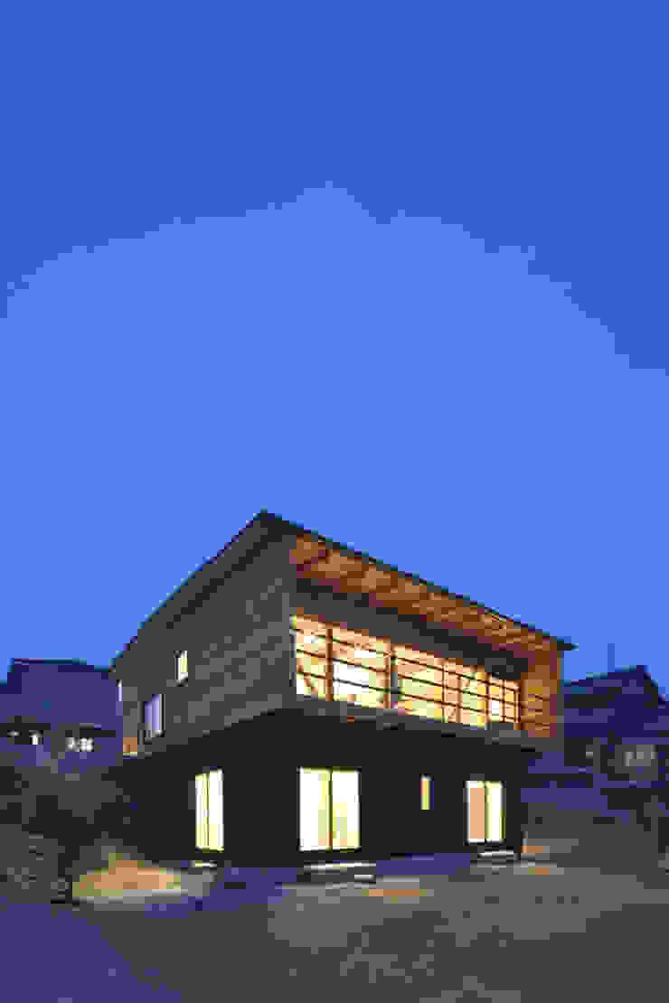 道路時の家 オリジナルな 家 の 五藤久佳デザインオフィス有限会社 オリジナル