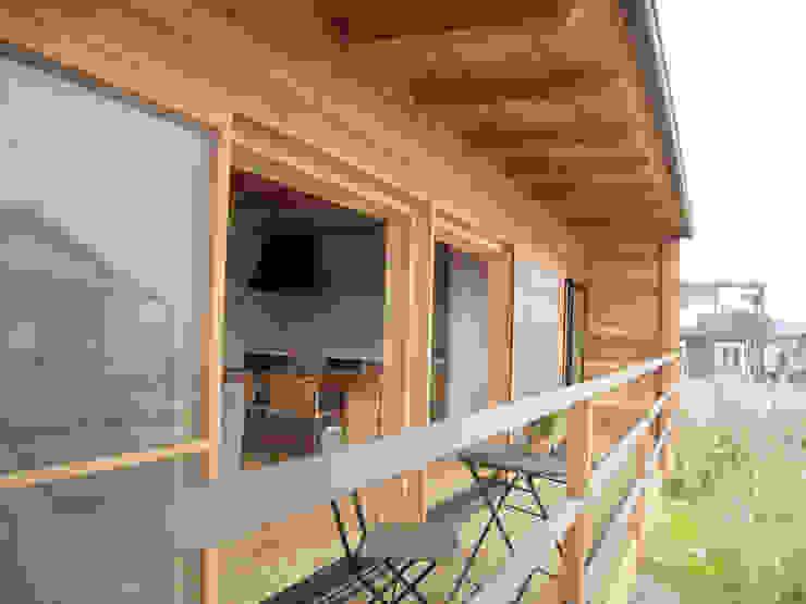 道路時の家 オリジナルデザインの テラス の 五藤久佳デザインオフィス有限会社 オリジナル
