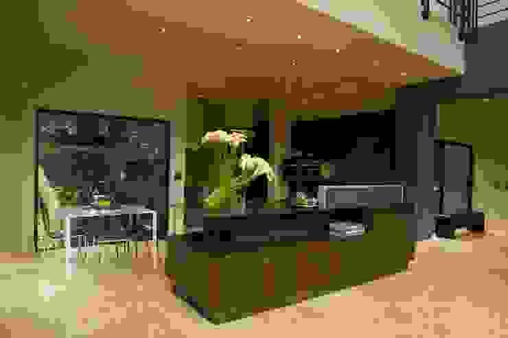 Kitchen by Nico Van Der Meulen Architects , Modern