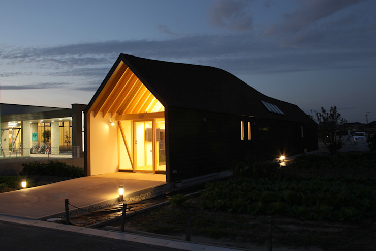 Casas de estilo ecléctico de 五藤久佳デザインオフィス有限会社 Ecléctico