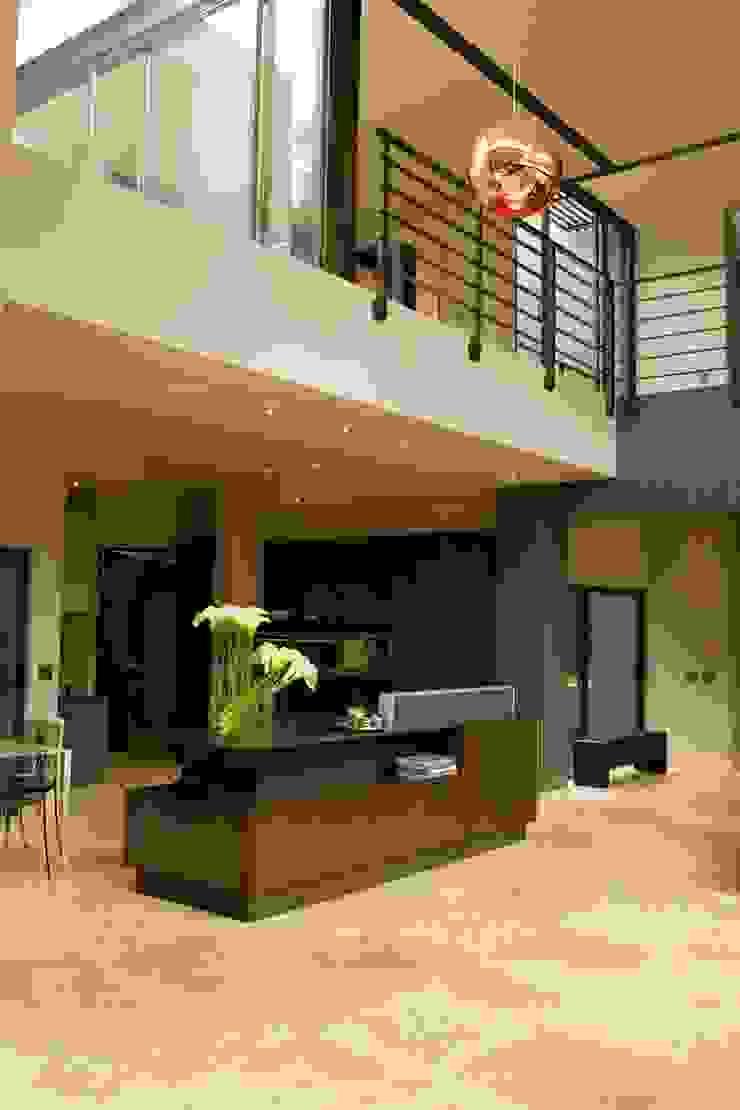 House Brian Modern kitchen by Nico Van Der Meulen Architects Modern