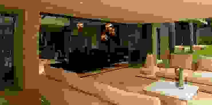 House Brian Modern balcony, veranda & terrace by Nico Van Der Meulen Architects Modern