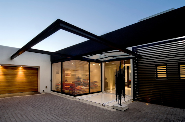 House Mosi 모던스타일 주택 by Nico Van Der Meulen Architects 모던