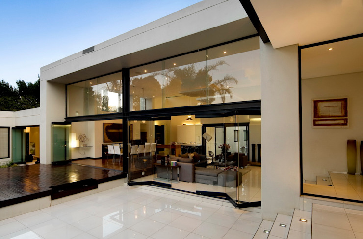 House Mosi Modern houses by Nico Van Der Meulen Architects Modern