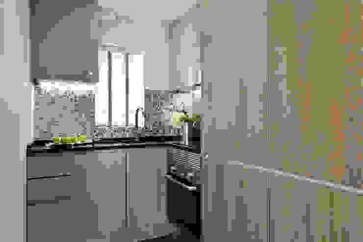 Black lip herringbone pattern Mother of Pearl Modern kitchen by ShellShock Designs Modern