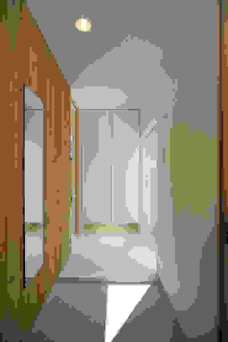 東刈谷の家 オリジナルスタイルの 玄関&廊下&階段 の 五藤久佳デザインオフィス有限会社 オリジナル