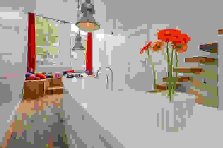 Cocinas de estilo  por CUBE architecten, Moderno