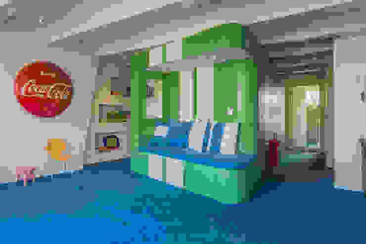 CUBE architecten Eclectic style bedroom