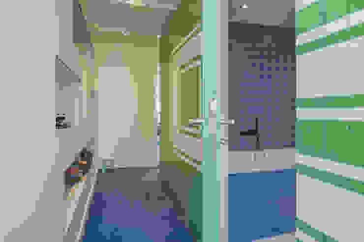 Kinder-badkamer als kern, met voorleesbankje Eclectische slaapkamers van CUBE architecten Eclectisch