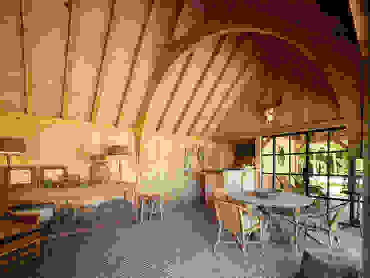 Terrazas de estilo  por Rasenberg exclusieve tuinpaviljoens & eiken gebouwen b.v., Rural
