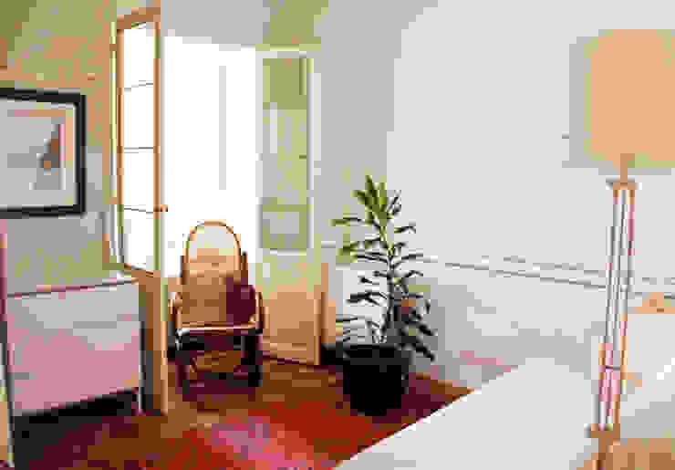 Apartamento en Malasaña Dormitorios de estilo rústico de CARLA GARCÍA Rústico