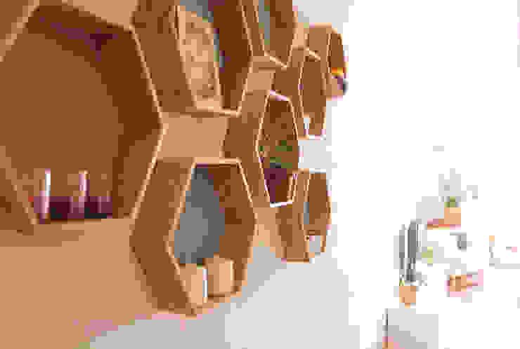 Apartamento en Malasaña Pasillos, vestíbulos y escaleras de estilo escandinavo de CARLA GARCÍA Escandinavo