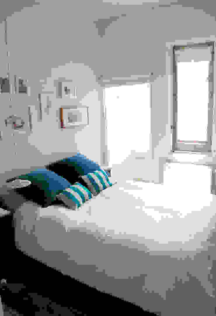 Apartamento en Malasaña Dormitorios de estilo escandinavo de CARLA GARCÍA Escandinavo