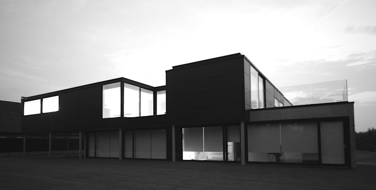 by aHa-architecten gcv Minimalist