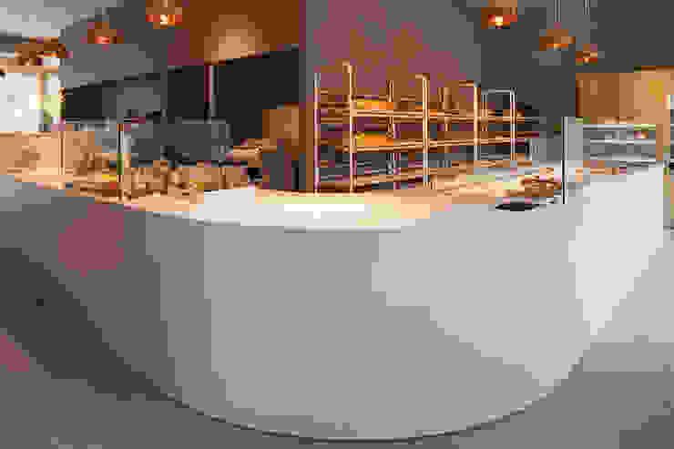De Broodnatie – Berchem (Antwerpen) Moderne gastronomie van PUUR interieurarchitecten Modern