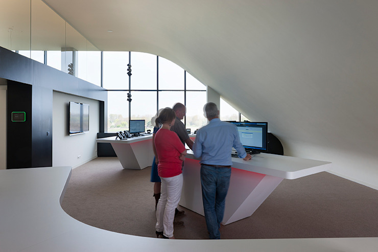 Modern office buildings by PUUR interieurarchitecten Modern