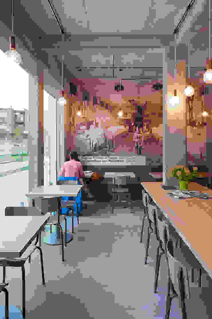 De Broodnatie - Berchem (Antwerpen) Moderne gastronomie van PUUR interieurarchitecten Modern