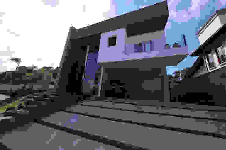 Nowoczesne domy od Cecyn Arquitetura + Design Nowoczesny
