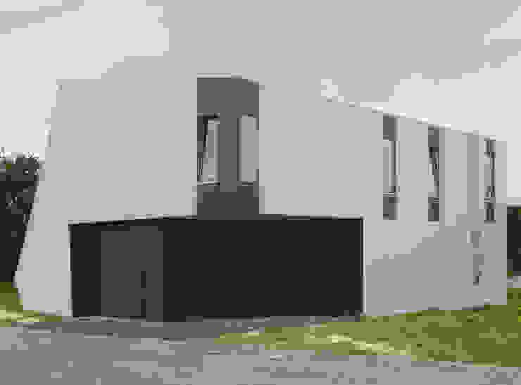 Architektonische Realisierung eines Hauses mit Energiefassade Ausgefallene Häuser von boehning_zalenga koopX architekten in Berlin Ausgefallen