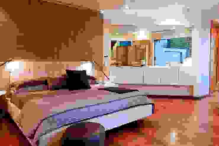 House Fern Modern style bedroom by Nico Van Der Meulen Architects Modern