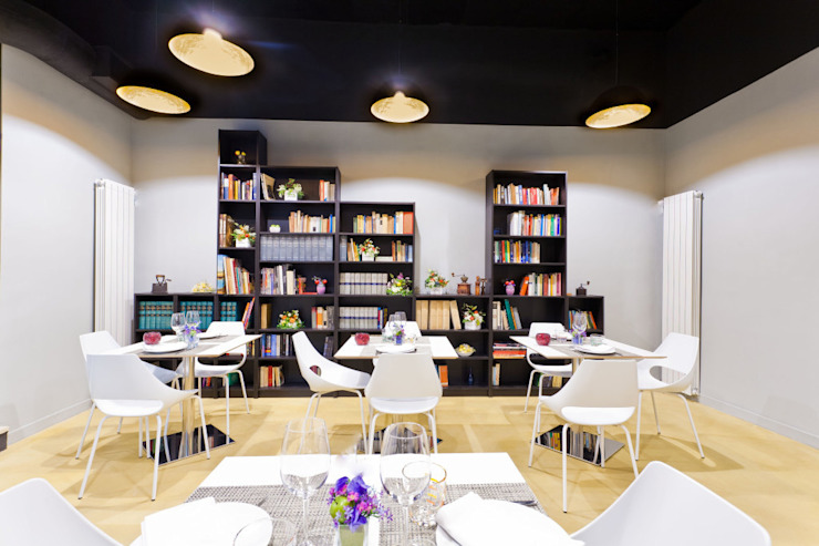library room Negozi & Locali commerciali in stile industrial di arcHITects srl Industrial