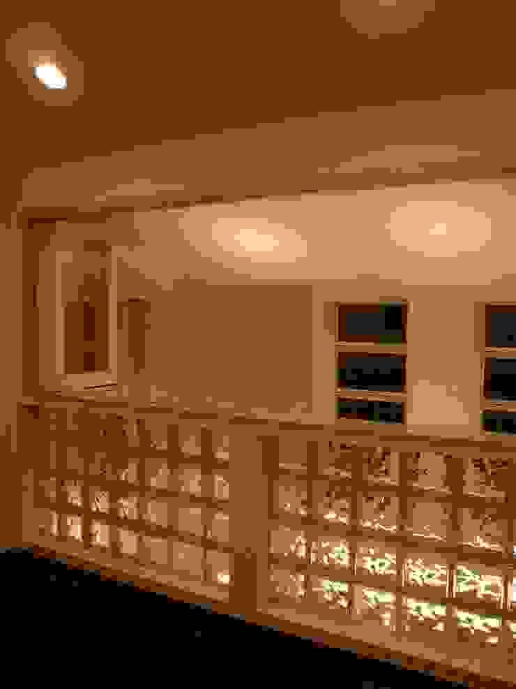 伏見の家 モダンスタイルの寝室 の 西川真悟建築設計 モダン