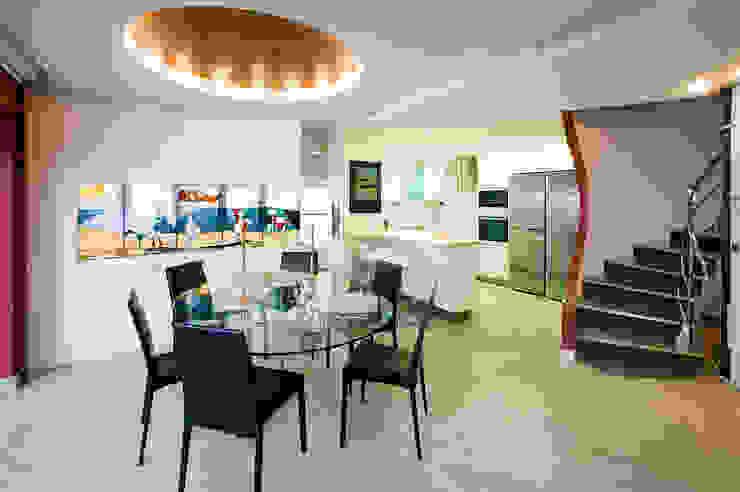 Casa en Malaga Cocinas de estilo moderno de Artemark Global Moderno