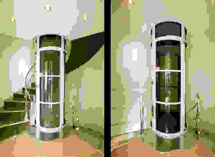 Casa en Malaga Pasillos, vestíbulos y escaleras de estilo moderno de Artemark Global Moderno