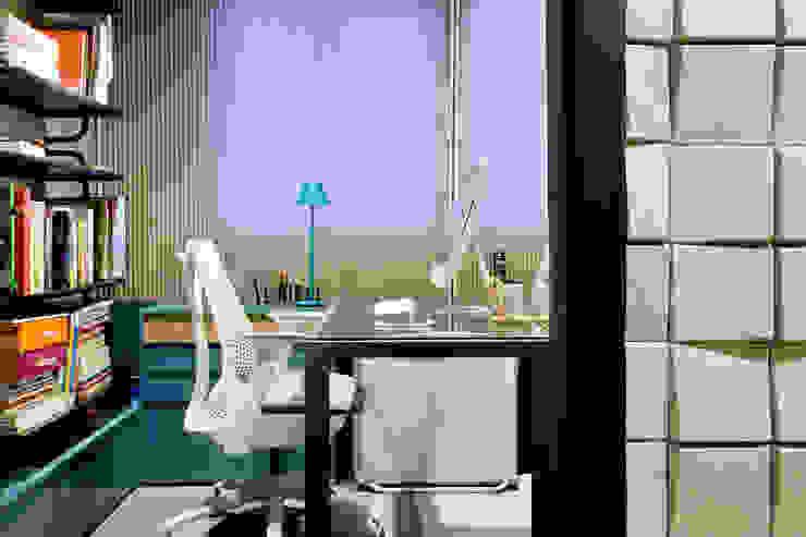 Unexpected Welcome | 1:1 arquitetura:design offices in Brasília. Escritórios industriais por SAINZ arquitetura Industrial