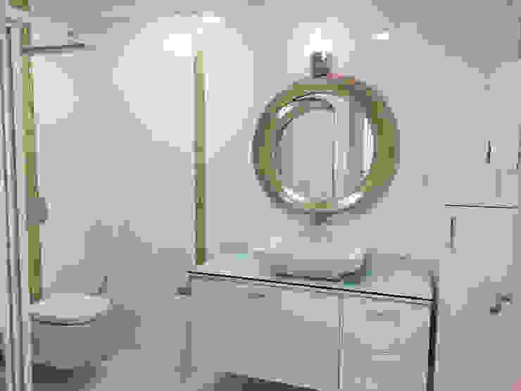 Beyaz Ev - Mersin Çeşmeli Yazlık Projesi Minimalist Banyo Emre Urasoğlu İç Mimarlık Tasarım Ltd.Şti. Minimalist