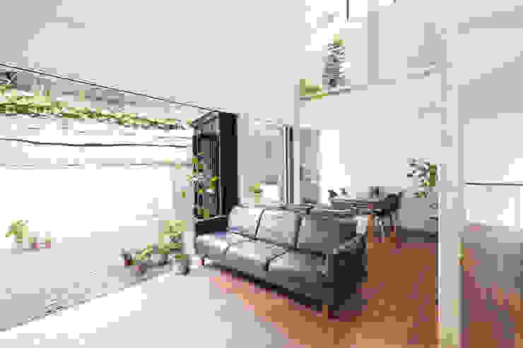 白砂孝洋建築設計事務所 Modern living room