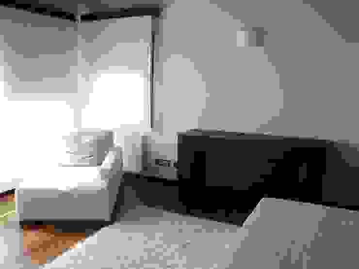 Proyectos y Mobiliario Dormitorios de estilo moderno de DEKMAK interiores Moderno