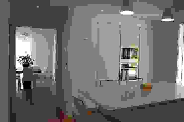 Villa E Cucina moderna di GROMATRE Moderno