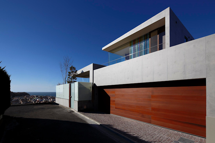 外観 | CASA BARCA | 海を眺める豪邸(別荘建築) モダンな 家 の Mアーキテクツ|高級邸宅 豪邸 注文住宅 別荘建築 LUXURY HOUSES | M-architects モダン