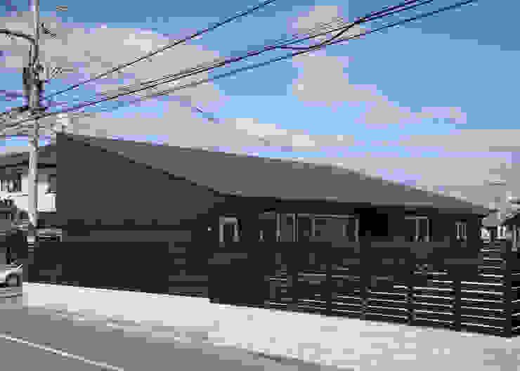 南西側外観 モダンな 家 の 田村の小さな設計事務所 モダン