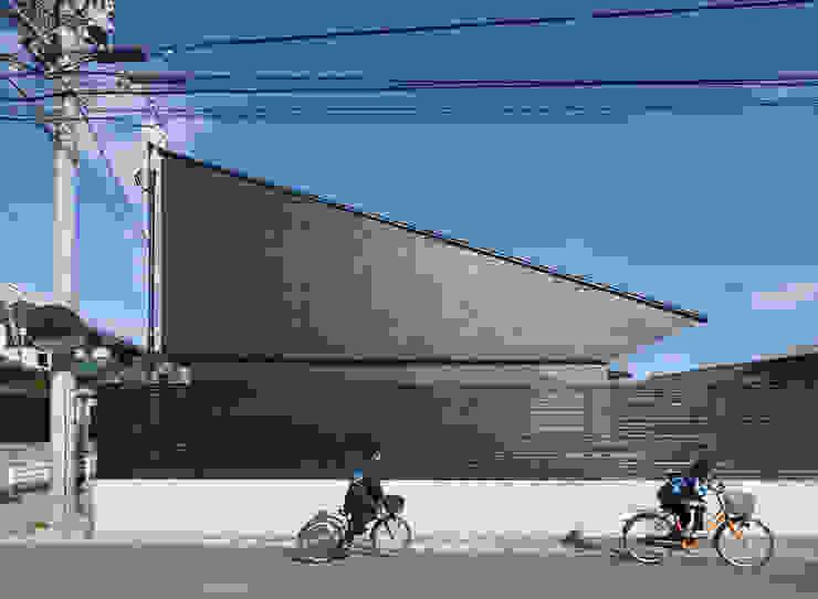 西側外観 モダンな 家 の 田村の小さな設計事務所 モダン
