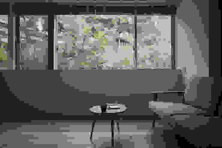 小矢部の家 モダンデザインの リビング の 深山知子一級建築士事務所・アトリエレトノ モダン