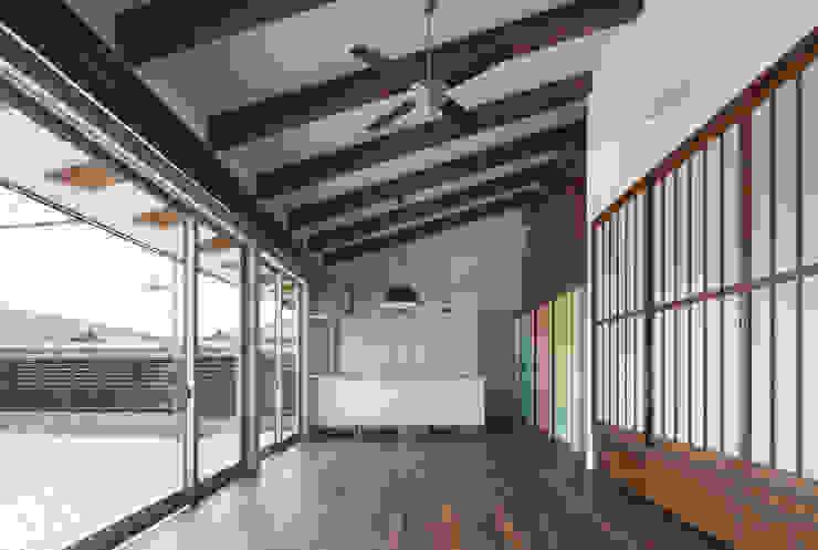 和傘の家 モダンデザインの ダイニング の 田村の小さな設計事務所 モダン