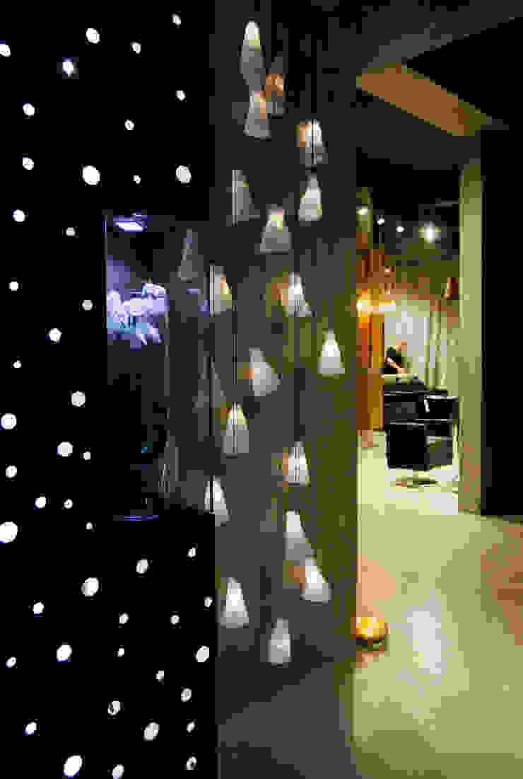 Салон красоты Domenico Castello Рабочий кабинет в стиле модерн от Fineobjects Модерн