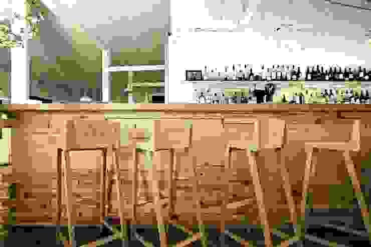 Кафе <q>32 мая</q> Кухня в стиле модерн от Fineobjects Модерн
