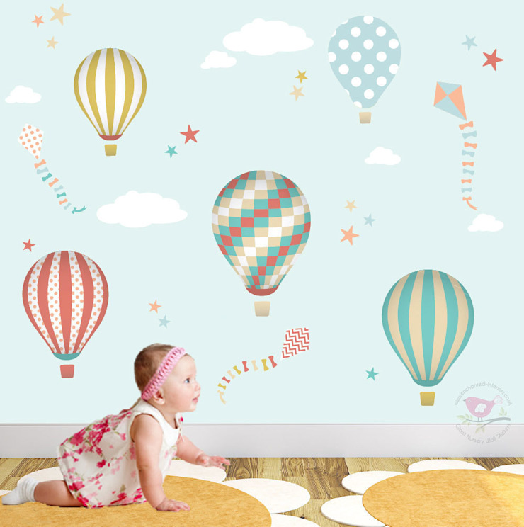 Hot Air Balloons & Kites Luxury Nursery Wall Art Sticker Design for a baby boys or girls nursery room de Enchanted Interiors Moderno