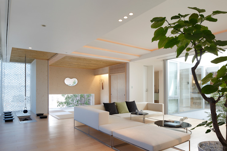 Modern living room by Mアーキテクツ|高級邸宅 豪邸 注文住宅 別荘建築 LUXURY HOUSES | M-architects Modern