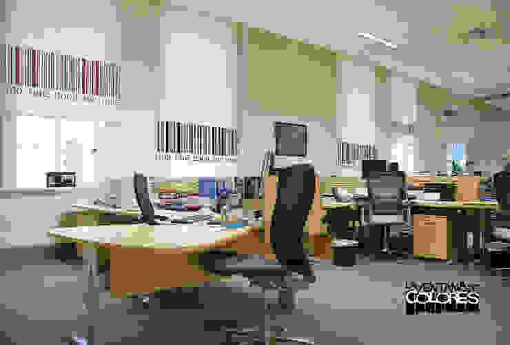 Ambientes actuales de La Ventana de Colores Oficinas y tiendas de estilo moderno de LA VENTANA DE COLORES Moderno