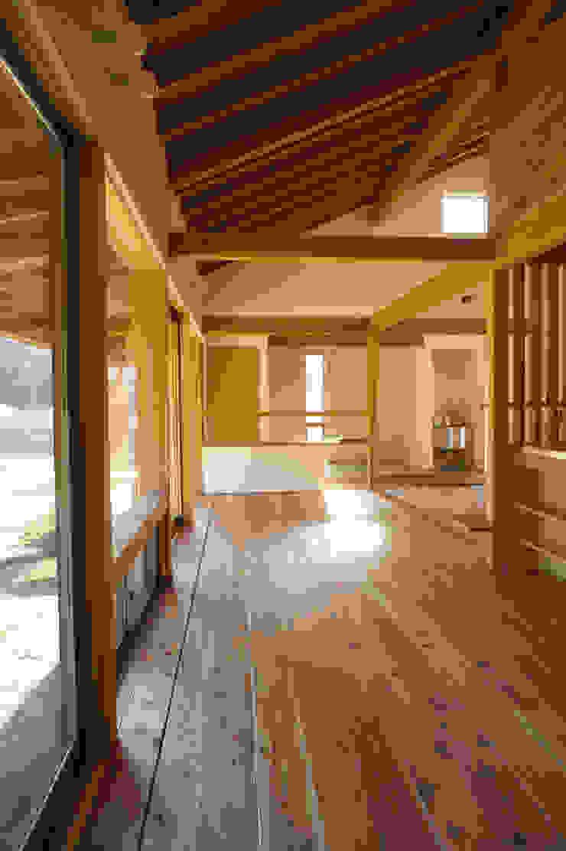 大井の平屋 オリジナルデザインの リビング の 環境創作室杉 オリジナル