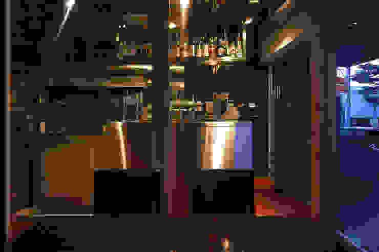 厨房 モダンなレストラン の 濱嵜良実+株式会社 浜﨑工務店一級建築士事務所 モダン