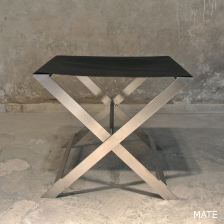 X STOOL – BLACK MATT par By Ultra Moderne