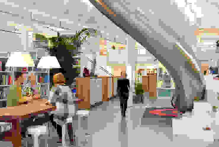 Indoor Slide Edifícios comerciais clássicos por LEGO Clássico