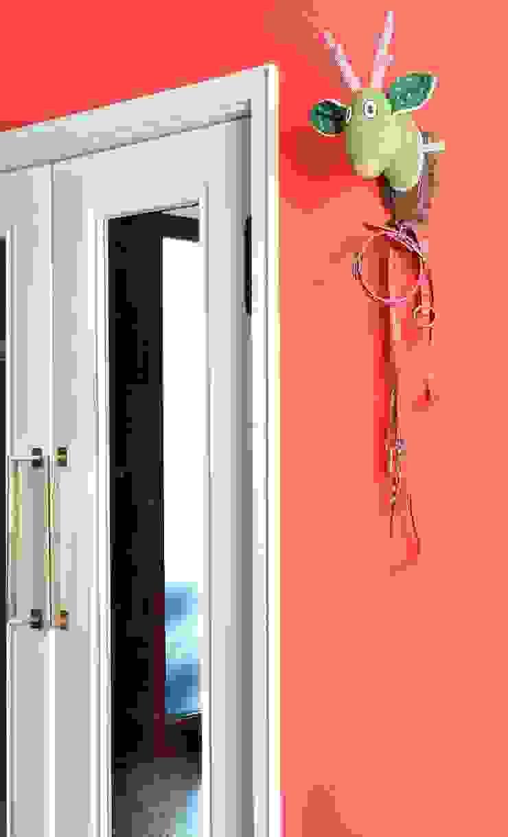 Ole als Garderobe und Hundeleinenhalter Kuschelwerk Flur, Diele & TreppenhausKleiderständer und Garderoben